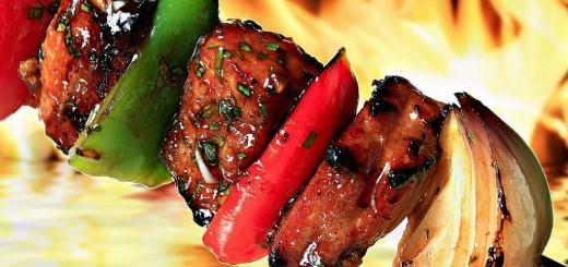 Как приготовить вкусное и сочное мясо на огне