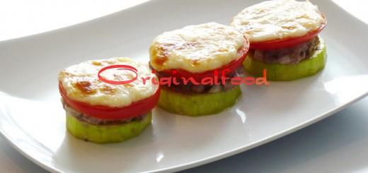 Кабачки с фаршем, помидорами и сыром запеченные в духовке