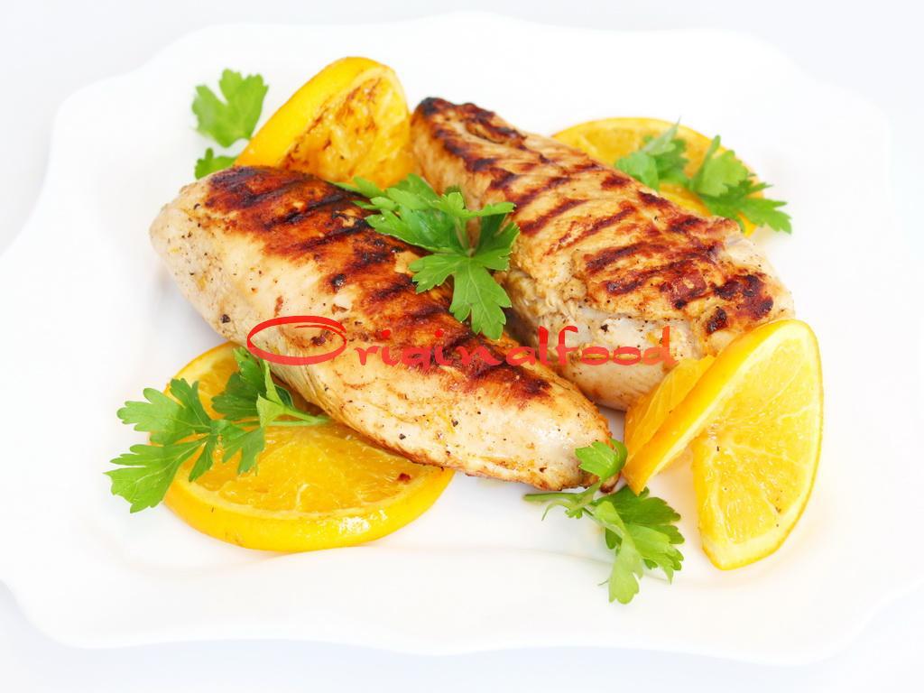 Куриное филе с апельсинами на сковороде гриль